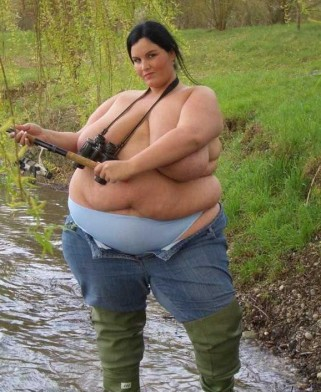 Femeie la pescuit
