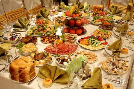 Imagini pentru poze cu masă întinsă